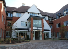 Signature Cliveden Manor Care Home 210 Little Marlow Road