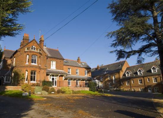 Guysfield Residential Home Willian Road Willian Letchworth Garden City Hertfordshire Sg6 2ab