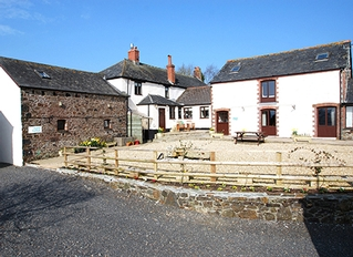 West Banbury Cottages, Lifton, Devon