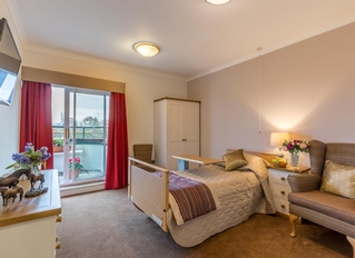 Barchester Red Oaks Care Home, Henfield, West Sussex